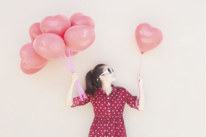 GirlswithBalloons